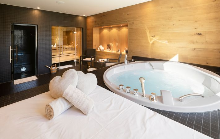 Private_Spa_Suite_Hotel_frutt_Lodge___Spa.jpg